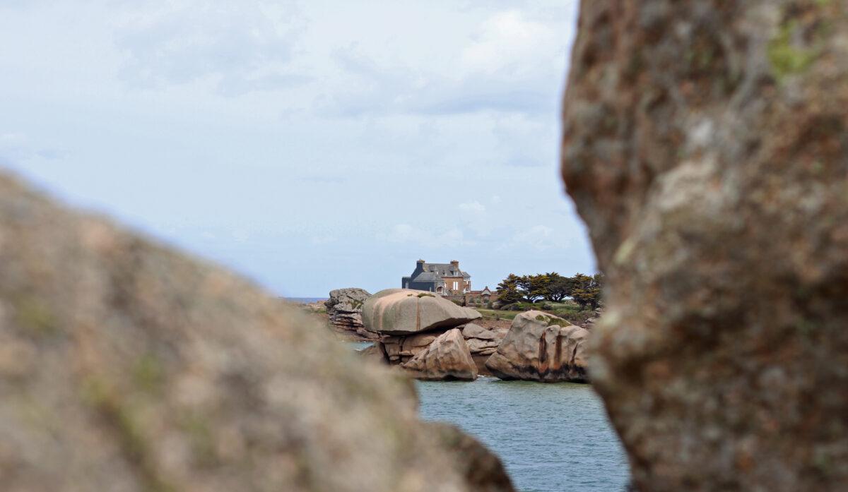 Castel Meur, sur la presqu'île de Plougrescant, sur la Côte de Granit Rose